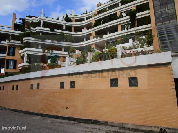 Excelente garagem Quinta da Lomba, com múltiplas utilizaç...