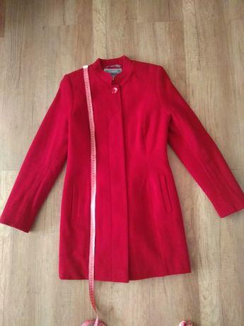 Пальто женское шерстяное красное размер М (44)