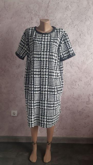 Платье -футляр теплое вставки эко кожа 52-54 замеры есть