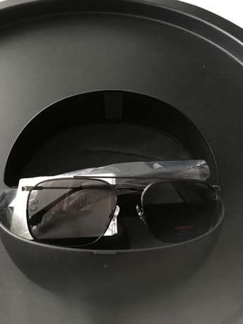 Okulary przeciwsloneczne Carrera