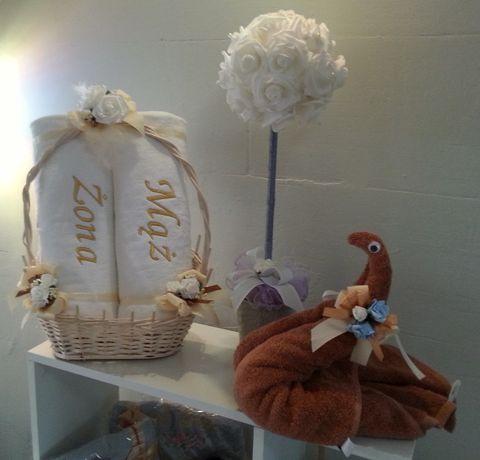Komplet ręczników 70/140 cm z haftem w koszu, prezent na ślub, wesele