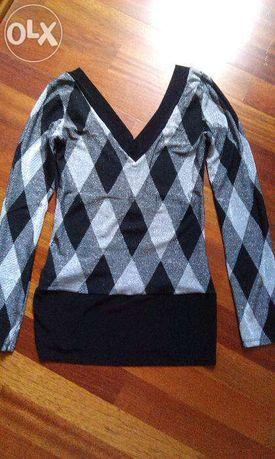 свитер с V-образным вырезом.VIENTI