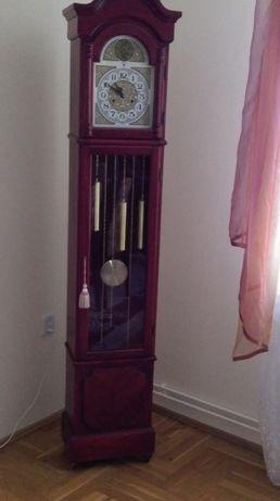 Zegar stojący skrzyniowy, wahadłowy, sprawny