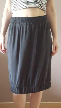 czrna luźna spódnica Reserved r. 40 (L)
