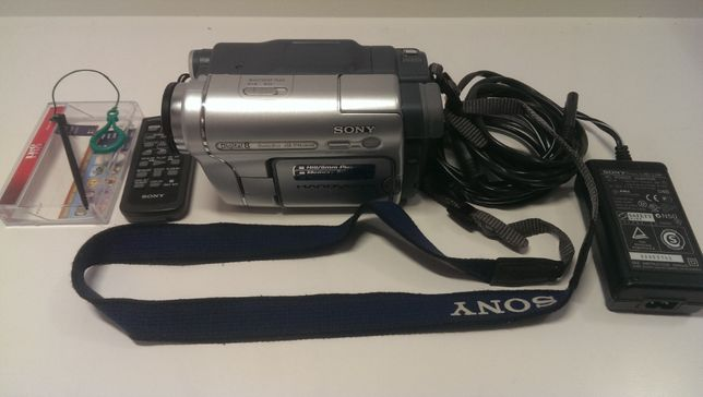 Видеокамера Sony DCR-TRV460E