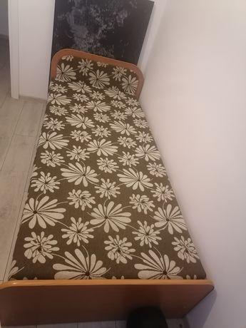 Tapczan-łóżko z pojemnikiem