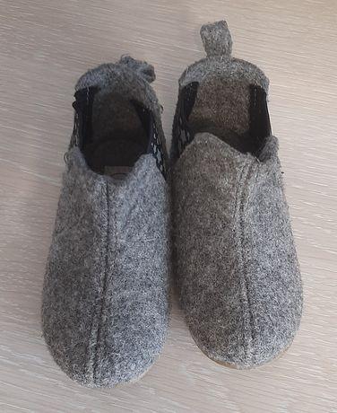 Тапочки, хайтопи, черевики, чопики з войлока