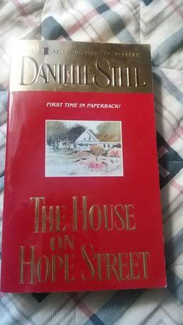 Продам книгу на английском