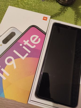 Xiaomi Mi 9 Lite 64 GB używany