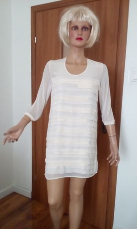 Suknia ecru ozdobna
