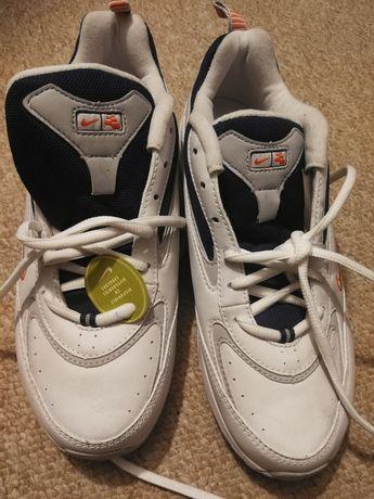 NOWE! Oryginalne buty Nike r. 40 z USA!