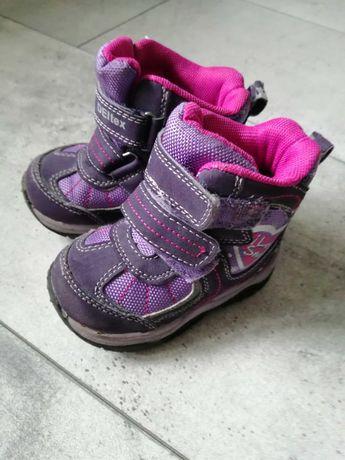 Sprzedam buciki zimowe śniegowce 21r 13cm wkładka dziewczynka