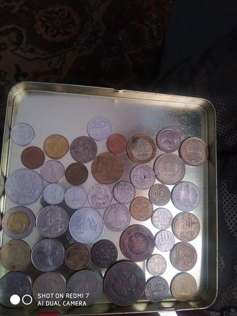 Продам 42 монети