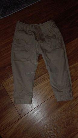 Spodnie beżowe firmy F&F r.86