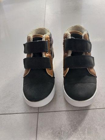 Buty chłopięce firma F&F rozmiar 27.