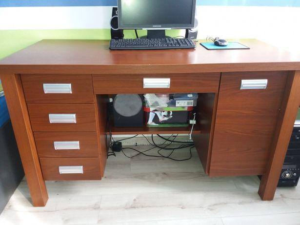 Porządne biurko bez zawartosci