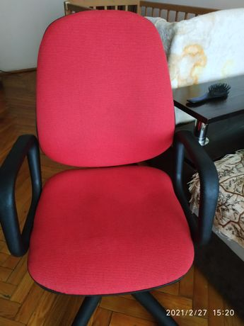 Крісло в дуже хорошому стані