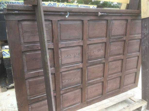 Drzwi garażowe drewniane