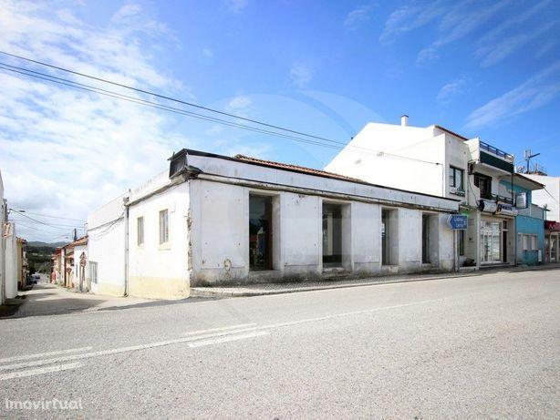 Loja em prédio para renovação, oportunidade de investimento