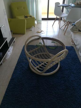 Mesa de apoio de sala em bambu verdadeiro e tampo de vidro