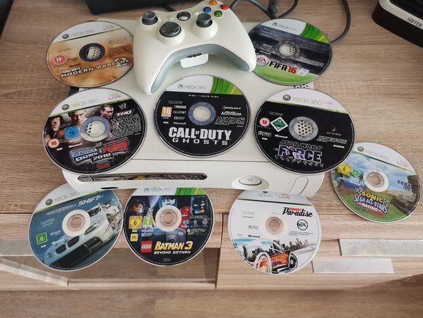 Xbox 360 plus 9 gier