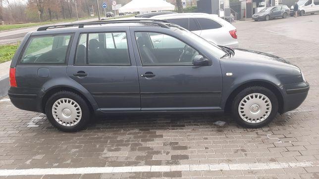 VW GOLF 4 Nefarbovana 1.4 A/C Sviza