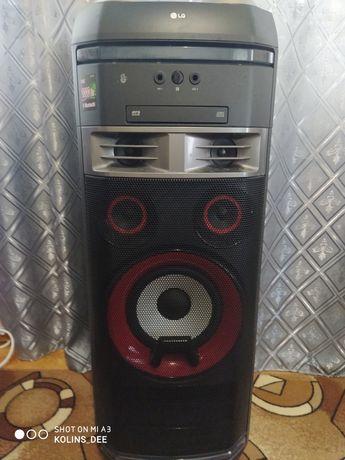 Портативная акустика LG XBoom OK85