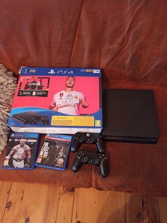 PS4 1TB Slim + 2 pady i gry