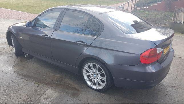 Tylna klapa BMW e90 2005 - części bmw e90