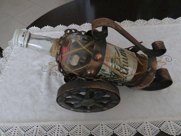 Porta garrrafa  de vinho em Cobre, formato carrinho