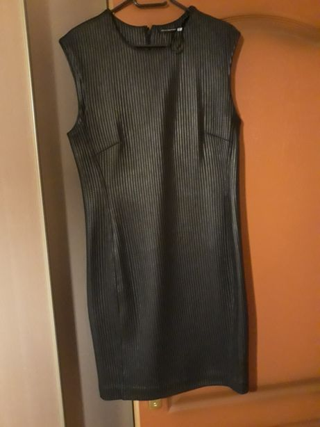 Czarna sukienka z połyskiem Josie Natori , rozm.40-42