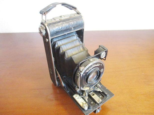 Maquina fotográfica antiga de Fole - Voigtländer