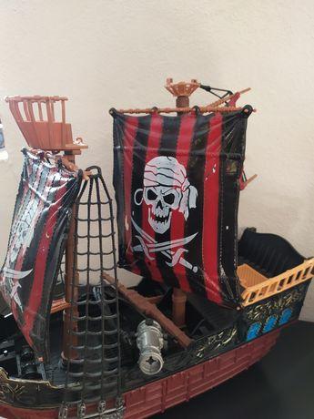 Barco piratas criança