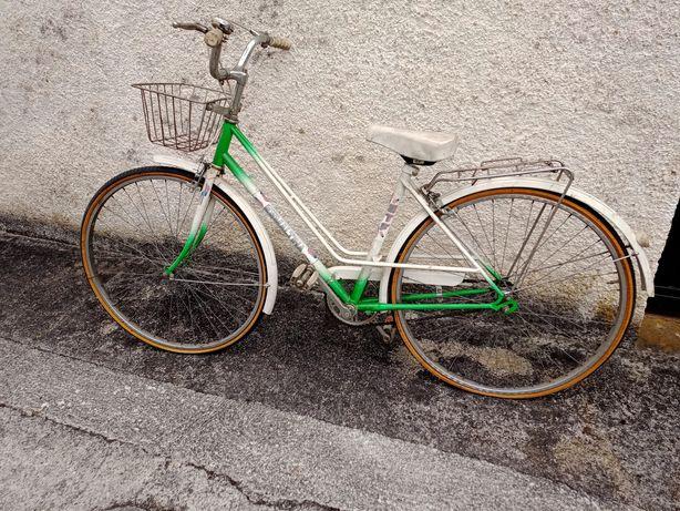 2 bicicletas tipo pasteleia