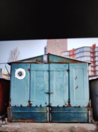 Гараж високий металевий на Кульпарківській біля Вікторіа Гарденс
