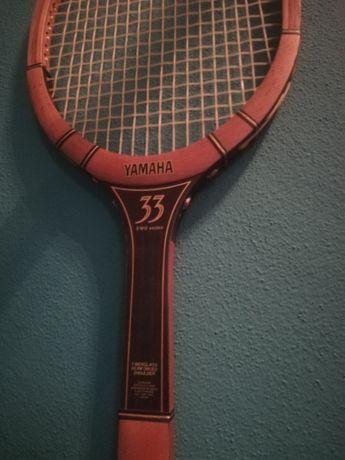 Raquete de ténis antiga