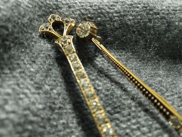 Stara broszka, mosiądz, metaloplastyka srebrna.