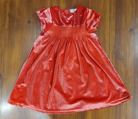 Czerwona elegancka sukienka na Święta 98