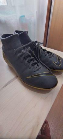 Chuteiras Nike 41