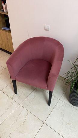 Продам два красивых кресла