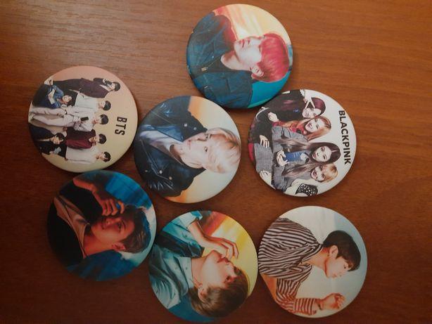 Значки группы BTS / Blackpink