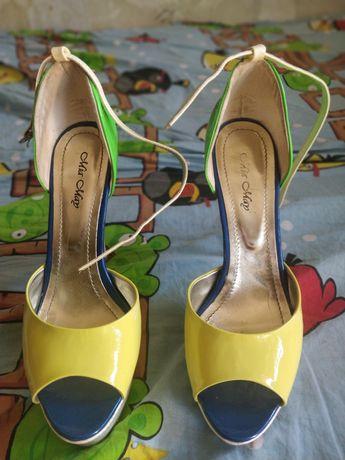 Продам босоножки Mia May на высоком каблуке цветные 38 размер