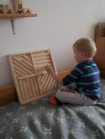 Magnetyczny labirynt – Drewniana zabawka rozwojowa montessori