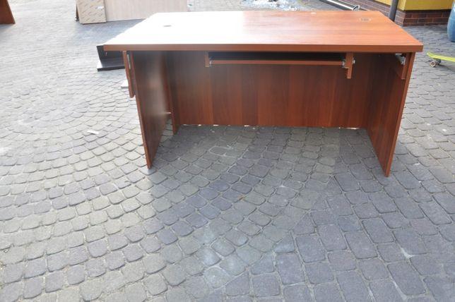 biurko z przegrodą