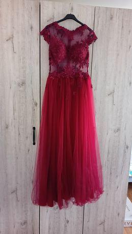 Tiulowa, długa sukienka