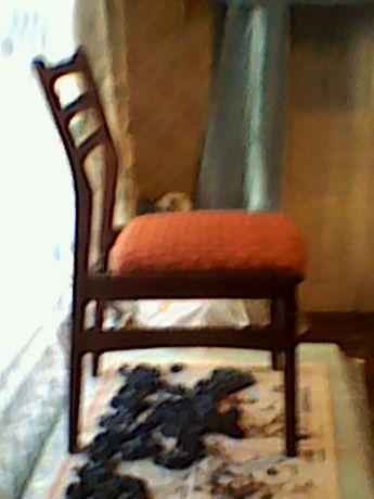 Продам новые стулья.