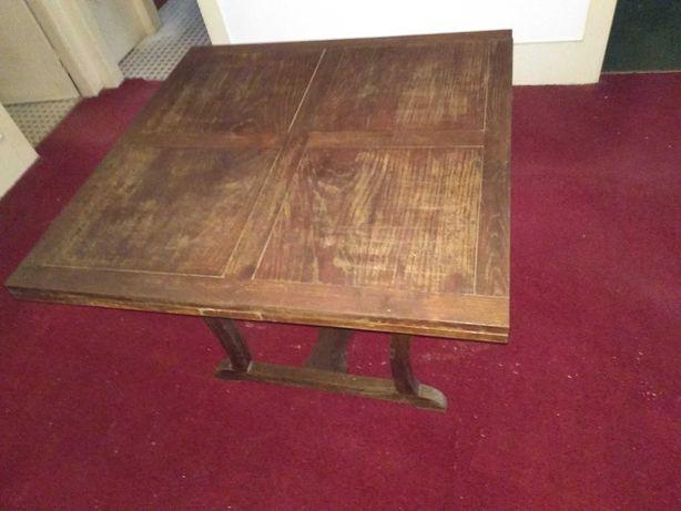 Mesa de madeira extensível
