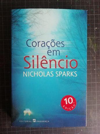 """Livro Nicholas Sparks """"Corações em Silêncio"""" (NOVO)"""