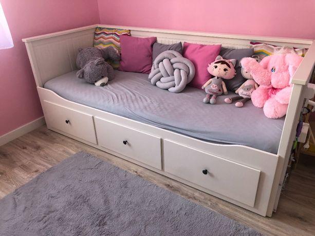 Łózko Ikea HEMNES w b.dobrym stanie 3 szuflady + 2 materace 12 cm