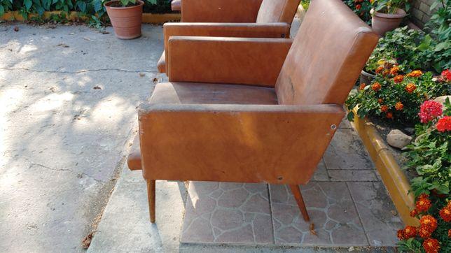 Stare fotele krzesła PRL koziołki